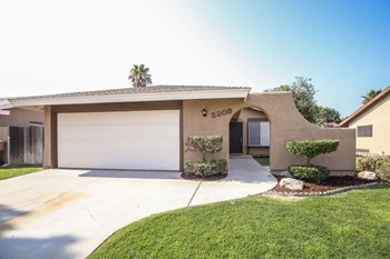 5209 Peppertree Ln 3 Beds House for Rent Photo Gallery 1