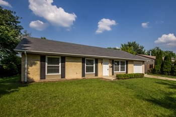 215 David Dr 4 Beds House for Rent Photo Gallery 1