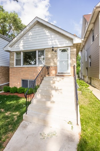 3415 Maple Ave 3 Beds House for Rent Photo Gallery 1