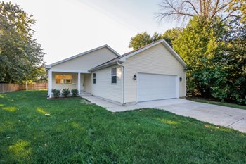 970 N Highland Dr 3 Beds House for Rent Photo Gallery 1