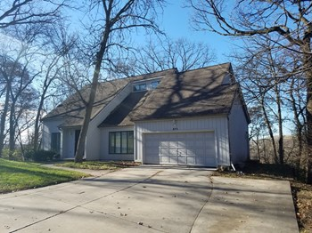 833 Bonnie Brae Ln 4 Beds House for Rent Photo Gallery 1