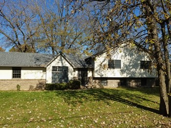13234 Hickory Ln 4 Beds House for Rent Photo Gallery 1