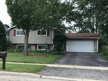 255 Ridgewood Dr 4 Beds House for Rent Photo Gallery 1