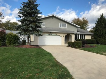 12200 Lake View Dr 4 Beds House for Rent Photo Gallery 1