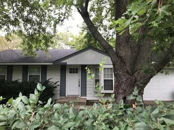 913 Hilltop Blvd 3 Beds House for Rent Photo Gallery 1