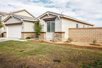 44254 Begonia St 3 Beds House for Rent Photo Gallery 1
