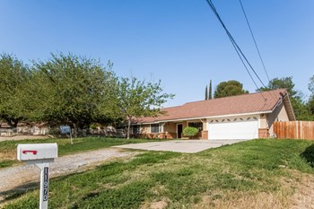 11970 Franklin St 3 Beds House for Rent Photo Gallery 1