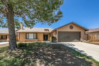 25948 Delphinium Ave 4 Beds House for Rent Photo Gallery 1