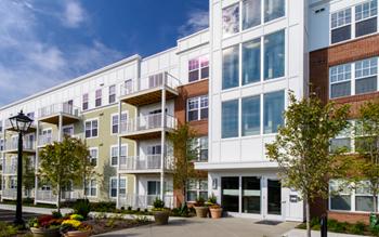 160 W Wilson Bridge Road 1-3 Beds Apartment for Rent Photo Gallery 1
