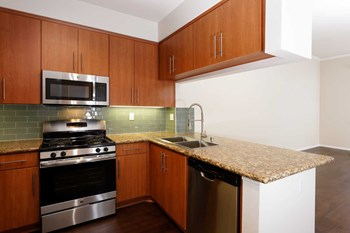 5710 Crescent Park East 1-2 Beds Apartment for Rent Photo Gallery 1