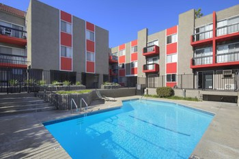 444 South Kingsley Drive Studio-1 Bed Apartment for Rent Photo Gallery 1