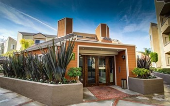 13801 Paramount Blvd 1-2 Beds Apartment for Rent Photo Gallery 1