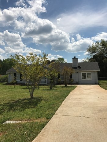 20 Red Oak Court 4 Beds House for Rent Photo Gallery 1