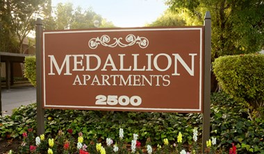 2500 Medallion Drive 1-2 Beds Apartment for Rent Photo Gallery 1