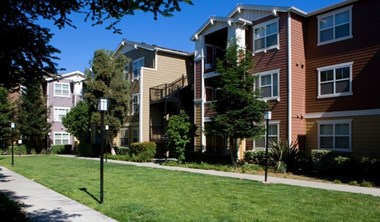 3500 Harbison Drive 2-3 Beds Apartment for Rent Photo Gallery 1