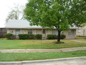 2641 Bluebird Lane 3 Beds House for Rent Photo Gallery 1
