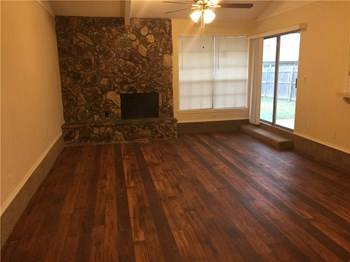 604 Salem Drive 3 Beds House for Rent Photo Gallery 1