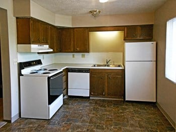 5003-5013 Country Club Circle 1-2 Beds Apartment for Rent Photo Gallery 1