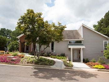 3400 Sweetwater Road 1-2 Beds Apartment for Rent Photo Gallery 1