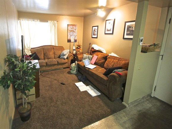 Brownstone #10 - BYU Women's Shared Rooms Photo Gallery 3