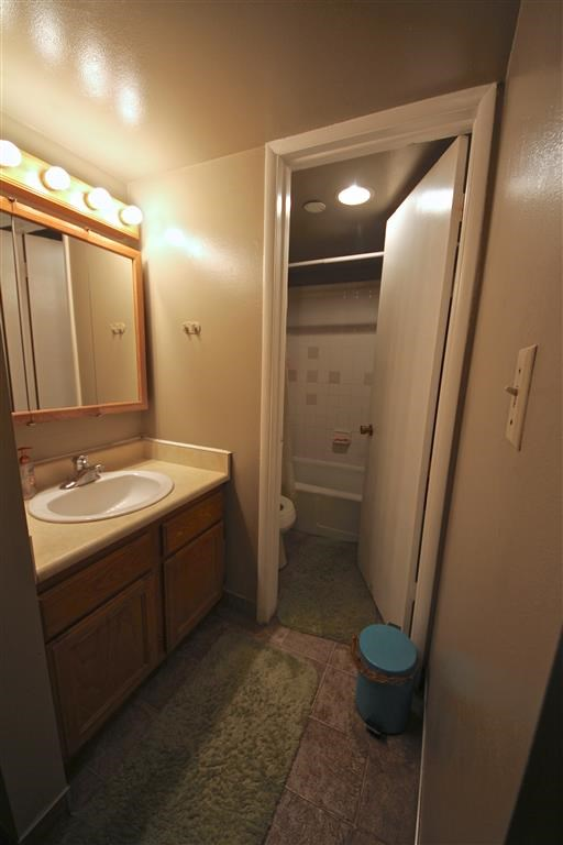 Brownstone #10 - BYU Women's Shared Rooms Photo Gallery 7