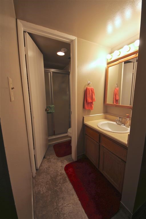 Brownstone #10 - BYU Women's Shared Rooms Photo Gallery 8
