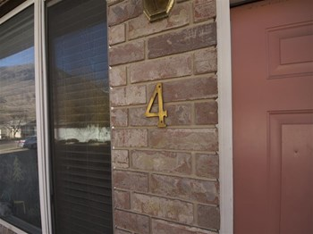 677 East 300 North #4 3 Beds Townhouse for Rent Photo Gallery 1