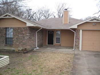 719 Lakeside Dr, Wylie, TX 3 Beds House for Rent Photo Gallery 1