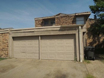 6137 Springleaf Circle, Fort Worth, TX 3 Beds House for Rent Photo Gallery 1