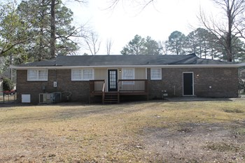 323 Creighton Dr, West Columbia, SC 3 Beds House for Rent Photo Gallery 1