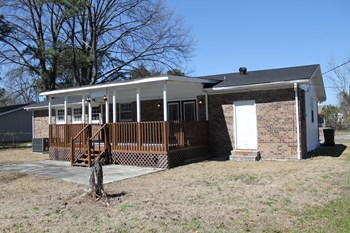 1133 Charlotte Street, Cayce, SC 4 Beds House for Rent Photo Gallery 1