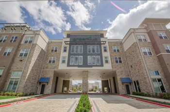 1350 N Greenville Avenue 1-2 Beds Apartment for Rent Photo Gallery 1