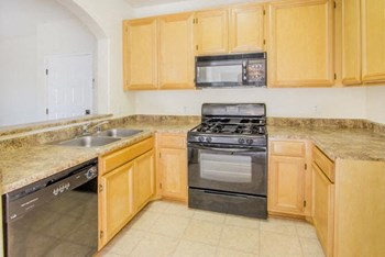 17442 Sherman Way 1-2 Beds Apartment for Rent Photo Gallery 1