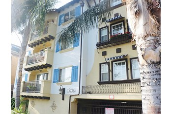 15736 Vanowen St 1-2 Beds Apartment for Rent Photo Gallery 1
