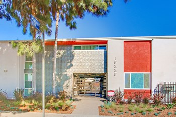 15225 Victory Boulevard  1-2 Beds Apartment for Rent Photo Gallery 1