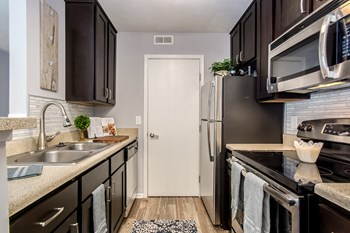 1038 Bayridge Drive 1-2 Beds Apartment for Rent Photo Gallery 1