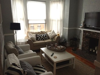 1543 N. Sedgewick St. 3 Beds Apartment for Rent Photo Gallery 1