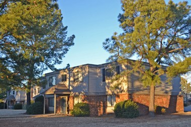 2718 Claudette St.  1-3 Beds Apartment for Rent Photo Gallery 1