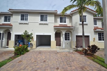 Unit 747, 20901 Nw 14 Place 2 Beds House for Rent Photo Gallery 1