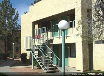 7400 E. Golf Links Rd. Studio-2 Beds Apartment for Rent Photo Gallery 1