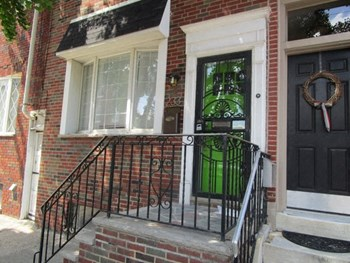 233 Dickinson St 4 Beds House for Rent Photo Gallery 1