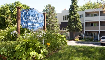 4131 Geneva Avenue North 1-2 Beds Apartment for Rent Photo Gallery 1