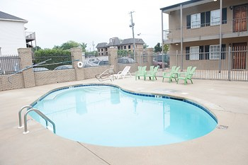 1402 9th Street 2-3 Beds Apartment for Rent Photo Gallery 1