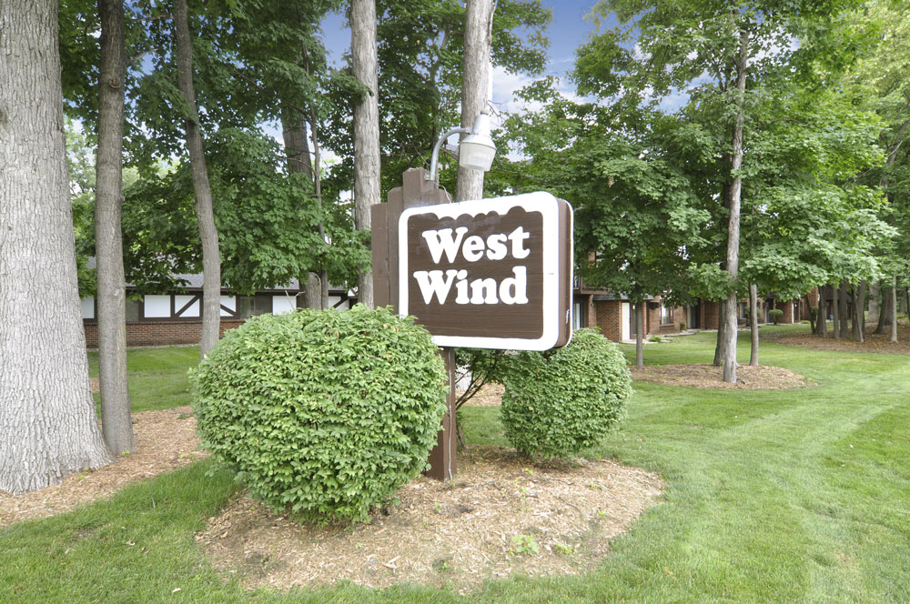 West Wind I Apartments