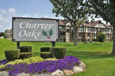 1000 Charter Oaks Drive 1-2 Beds Apartment for Rent Photo Gallery 1