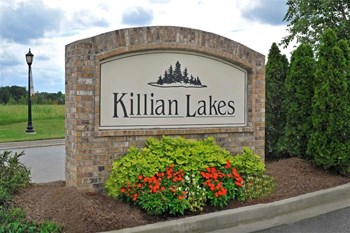 1800 Killian Lakes Drive 2-3 Beds Apartment for Rent Photo Gallery 1