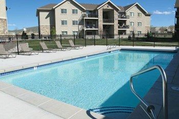 1525 Opal Drive 1-3 Beds Apartment for Rent Photo Gallery 1