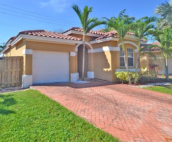 12706 Sw 54 Court 3 Beds House for Rent Photo Gallery 1