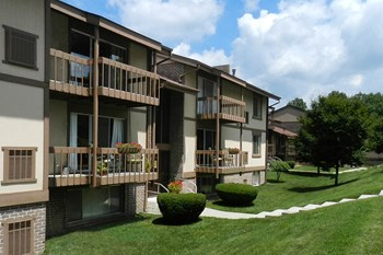 700 E Stoney Mill Ct 1-3 Beds Apartment for Rent Photo Gallery 1