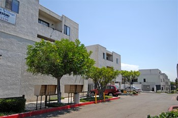 5925 El Cajon Blvd 1-3 Beds Apartment for Rent Photo Gallery 1